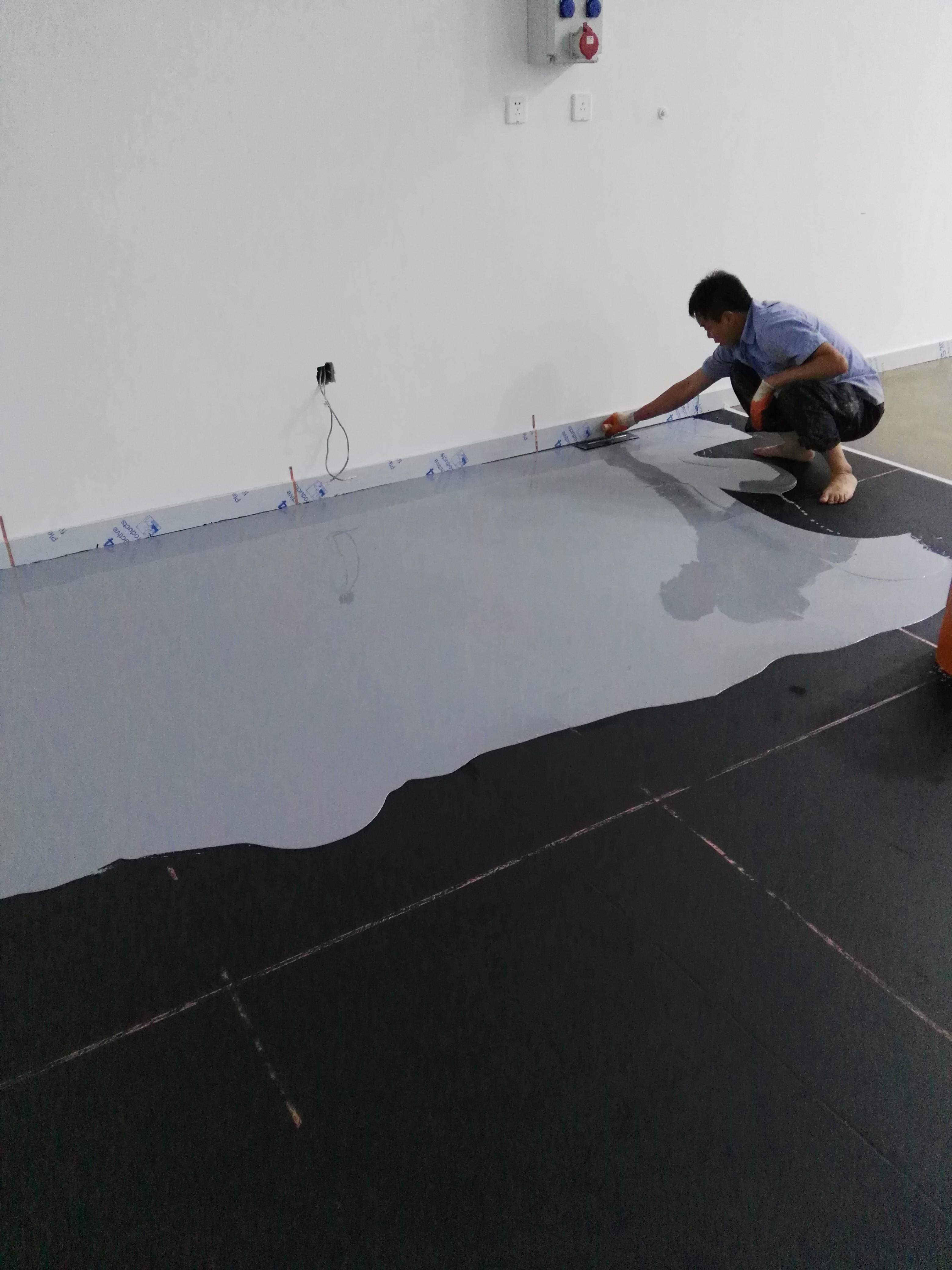 环氧树脂自流平防静电地板 环氧树脂自流平防静电地板价格 匠伯
